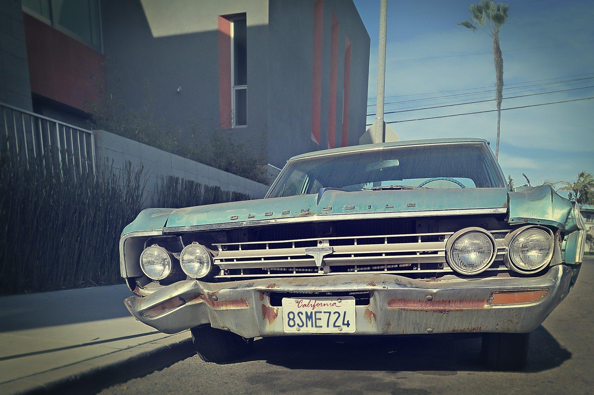 Old Classic Car in La Mesa California - VeteranCarDonations.org