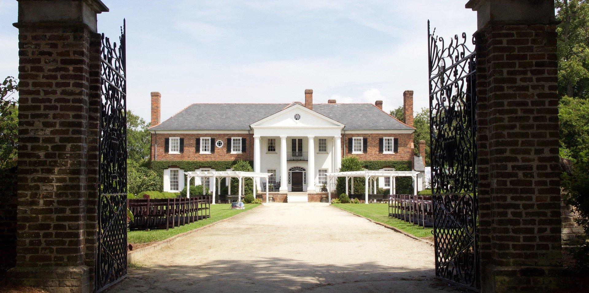 Old House in South Carolina - VeteranCarDonations.org