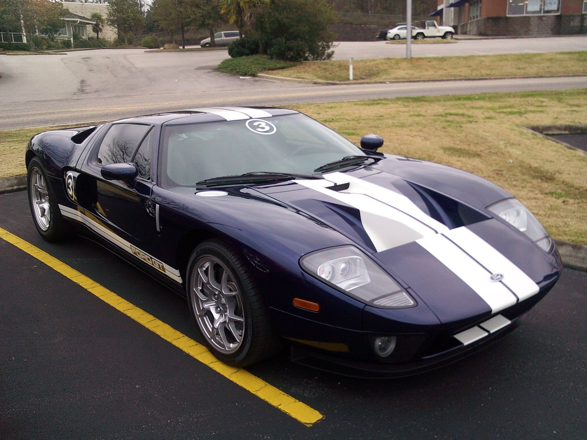 Purple Ford GT in Southampton