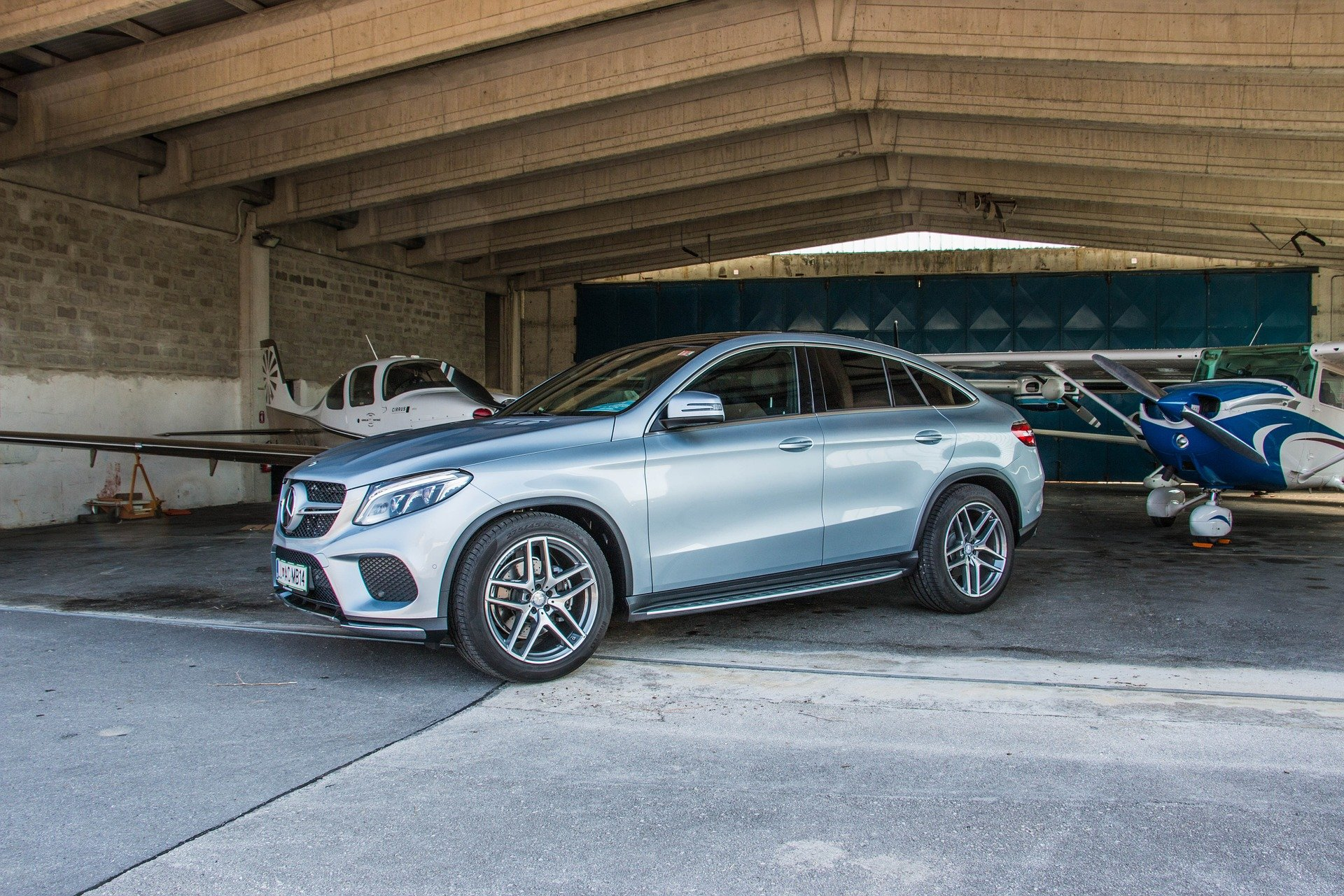 Mercedes Benz SUV in Independence