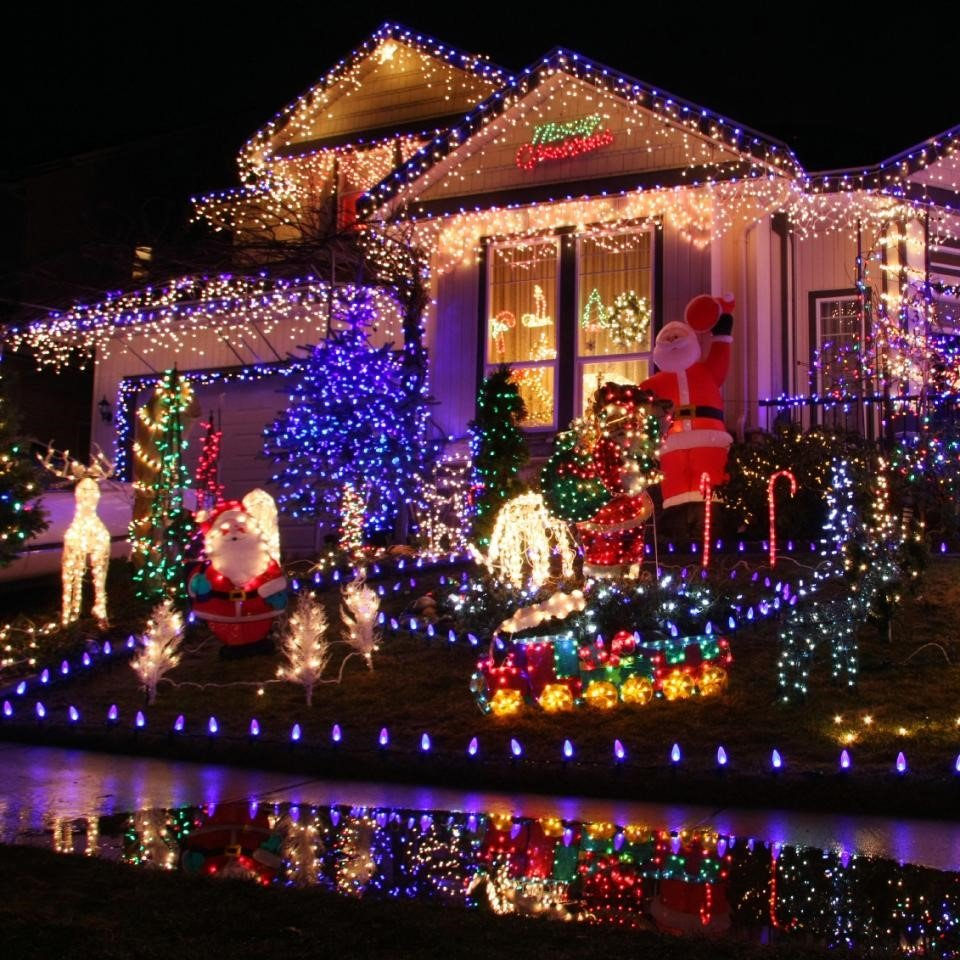 Colorful Lights Outdoor Holiday Decoration | Veteran Car Donations