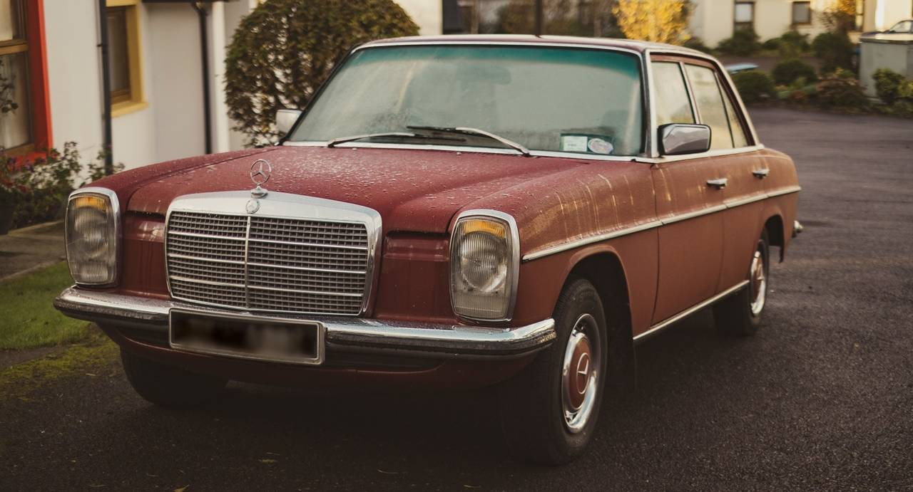 Oldtimer Red Mercedes | Veteran Car Donations